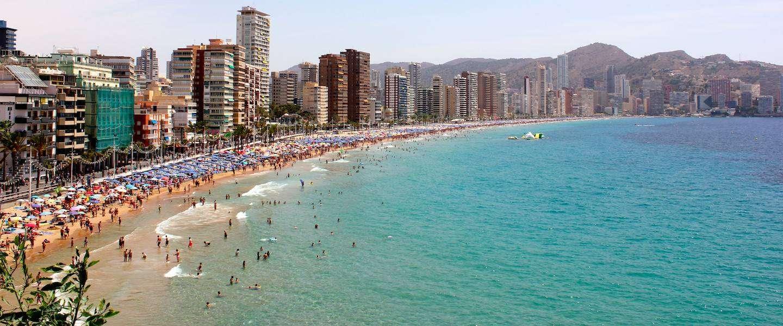 Top drie populaire jongerenvakanties: Spanje, Griekenland en Tunesië