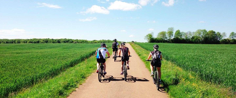 Etrip2014 dag 2: de eerste meters op e-bikes naar Châteauneuf en Auxois