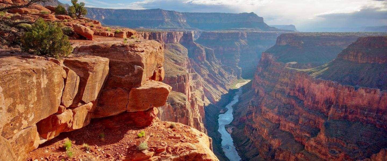OMG! Nik Wallenda did it! Skywalk over de Grand Canyon zonder zekering