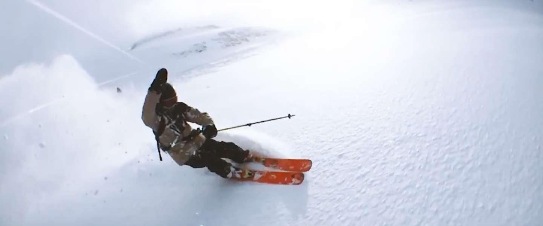 Skiër maakt super gave video met iPhone aan een touwtje