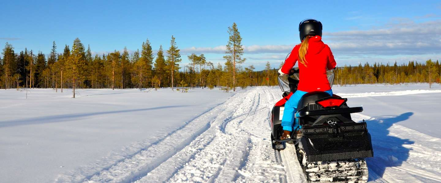 Sneeuwscootertocht door Gold of Lapland