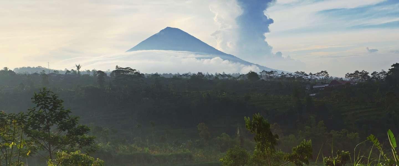 De uitbarsting van vulkaan Agung op Bali in foto's