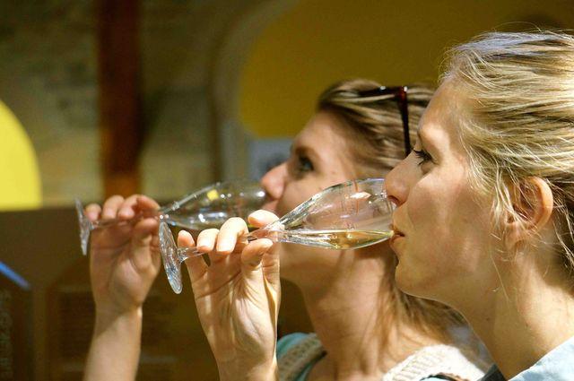 etrip_wijn_proeven_cluny