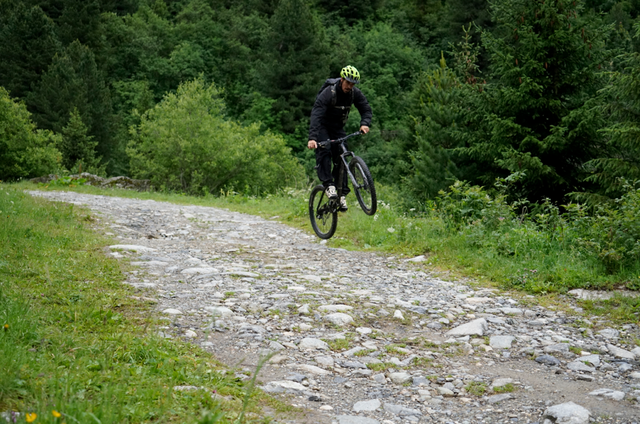 Mountainbike_stunt