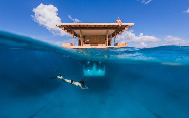 the_manta_underwater_room