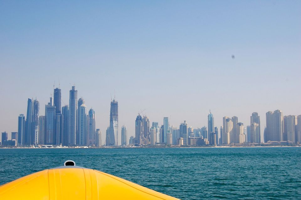 dubai_yellow_boat