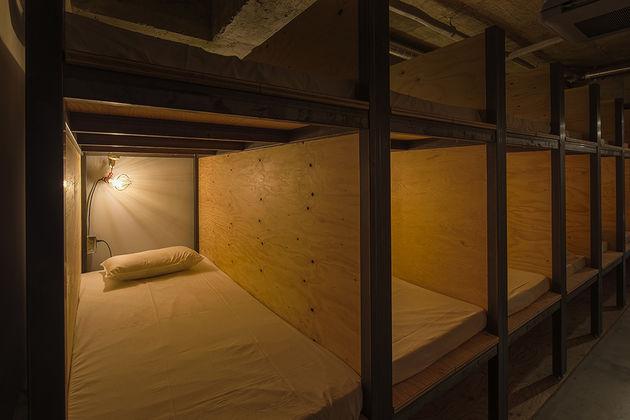 boekenkast-hotel-japan-6