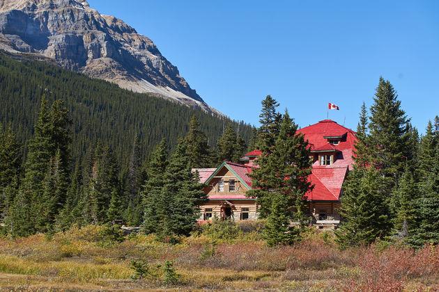 Bow Lake Canada house
