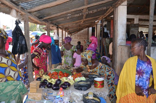gambia_smiling_coast_travelvalley_markt