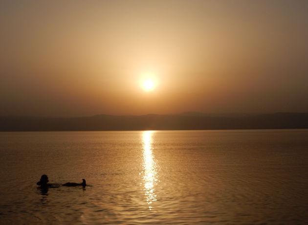 dode-zee-zonsondergang