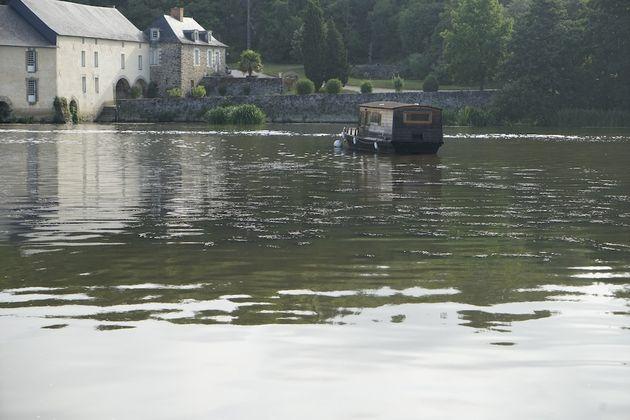 Toue_rivier_Mayenne_1