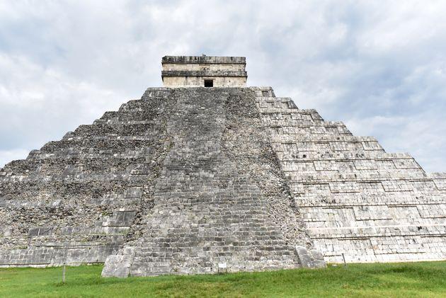 El-Castillo-chichen-itza