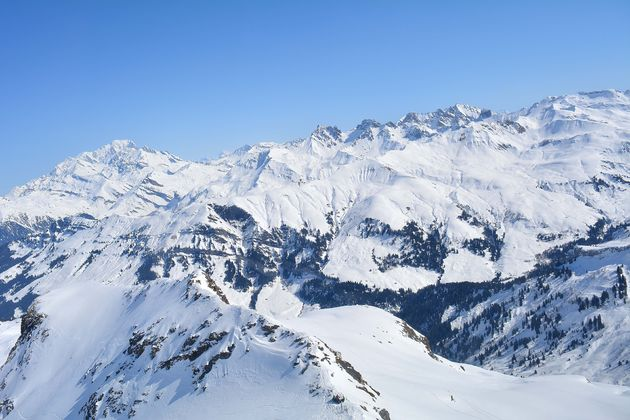 helikopter-view-savoie-mont-blanc