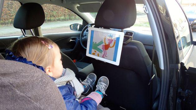 hoofdsteun_tablet_auto