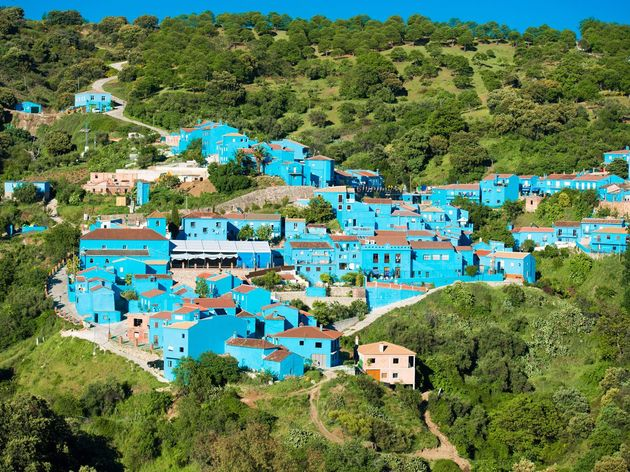 jzcar-is-a-small-village-located-in-the-valle-del-genal-in-andalusia-spain-the-entire-village-was-painted-blue-back-in-2011-for-the-the-smurfs-3d-movie-and-it-has-remained-that-way-ever-since