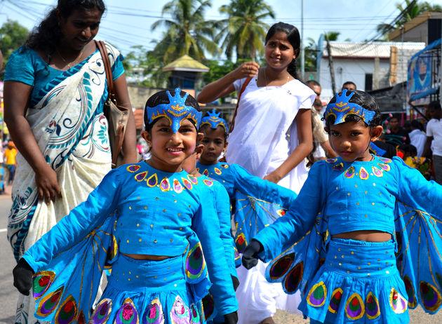 locals-optocht-sri-lanka
