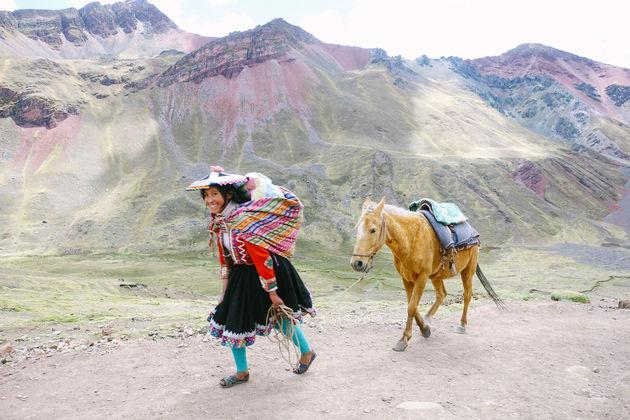 locals_rainbow_mountain_peru