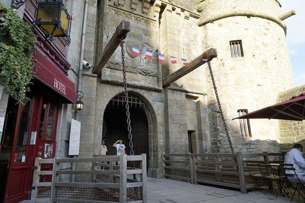 Mont_Saint_Michel_ophaalbrug