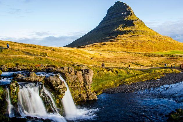 Mount-Kirkjufell-roadtrip-ijsland