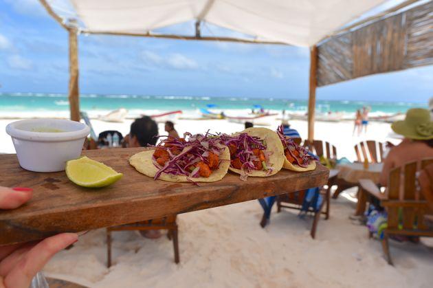 playa-pescadores-tulum-taco's