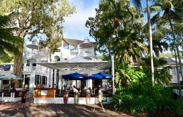 sarayi-hotel-palm-cove