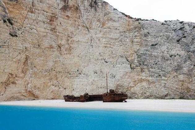 shipwreck-beach