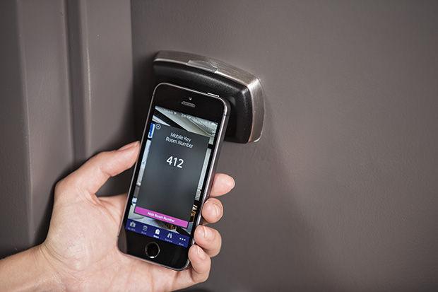smartphones-hotelkamer