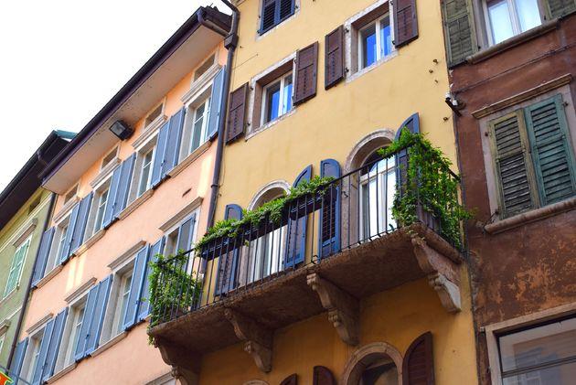trento-gekleurde-huizen