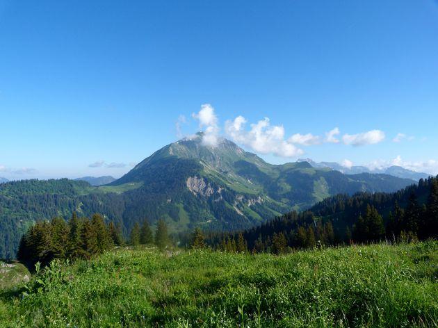 Uitzicht onderweg naar geitenboerderij op Reserve du Queyset (3)