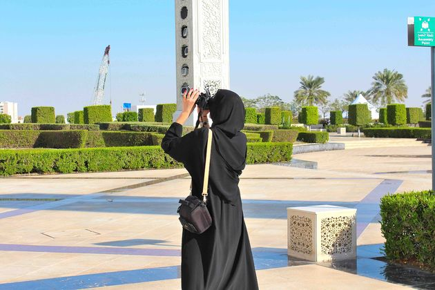 vrouw-moskee-abu-dhabi