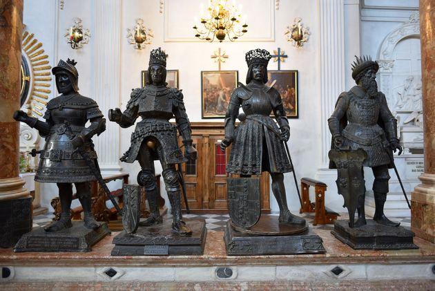 zwarte-mannetjes-hofkirche