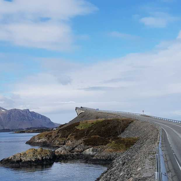 9 spectaculaire wegen die je ooit een keer wilt rijden!