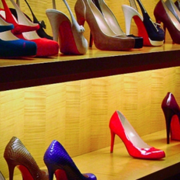 Fashion Travel: tentoonstelling Christian Louboutin in Design Museum Londen