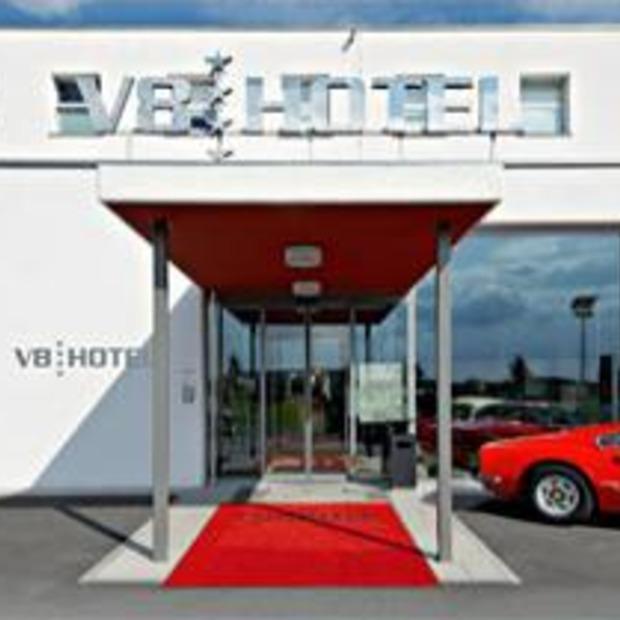 Een hotel voor echte autofanaten, V8 hotel Stuttgart
