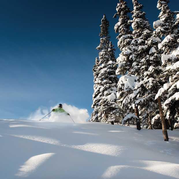 Droomreis voor wintersporters: poedersneeuw in Canada