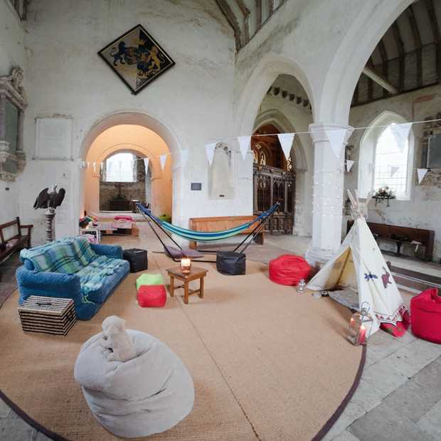 Champing: kamperen in de kerk