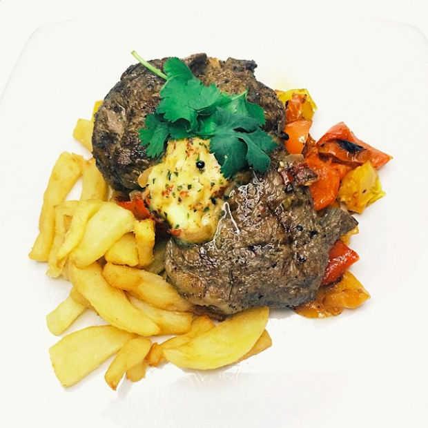 Dinnercam in restaurant laat gasten professionele foto's van eten maken