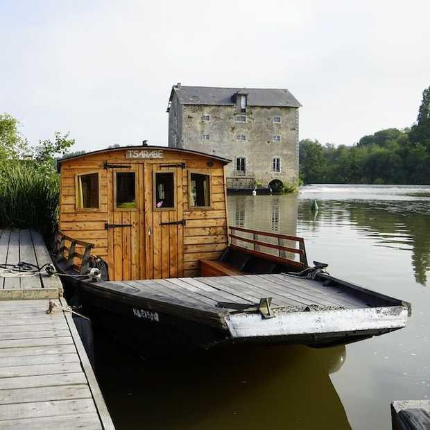 Slapen in een Toue op de rivier La Mayenne