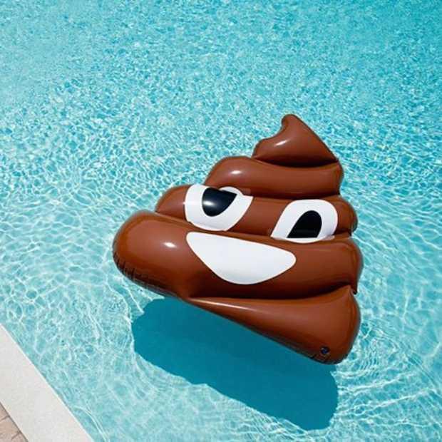 Deze emoji zwembanden helpen je om de zomer goed door te komen