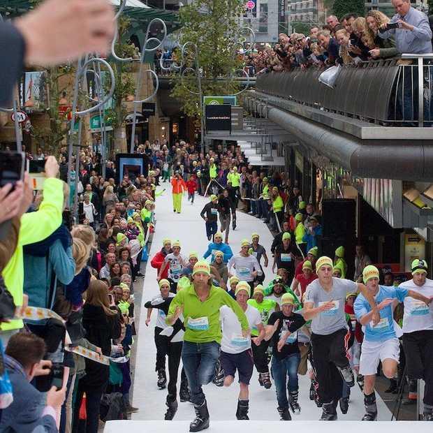 SkischoenRun 2014: snelste hardloper op skischoenen wint wintersport