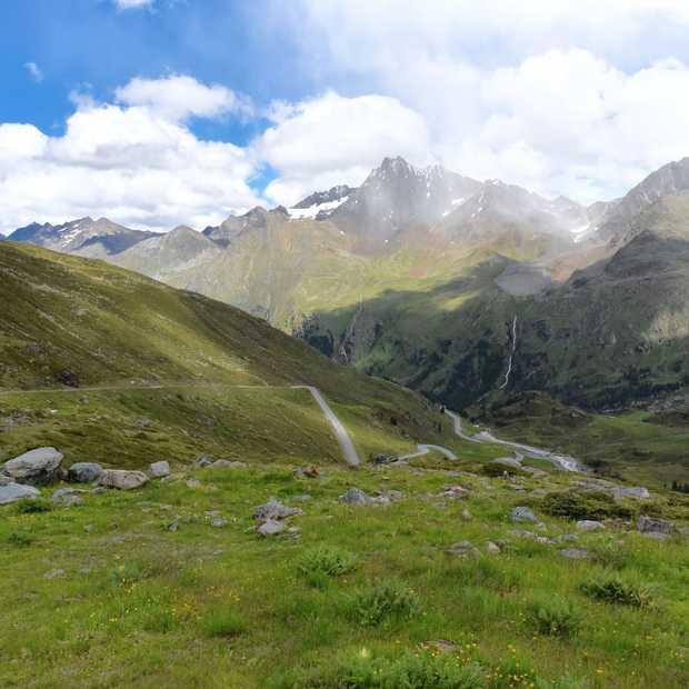 Deze weg in Tirol móet je een keer gereden hebben!