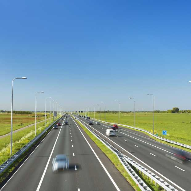 Ontwerper maakt metrokaart van Nederlandse  snelwegen