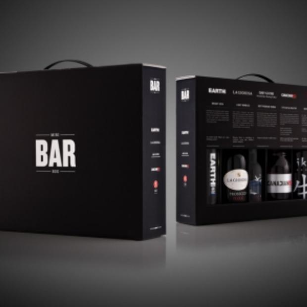 De nieuwe minibar komt in een box