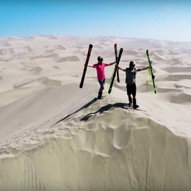 Skiën in de zandduinen van Huacachina in Peru