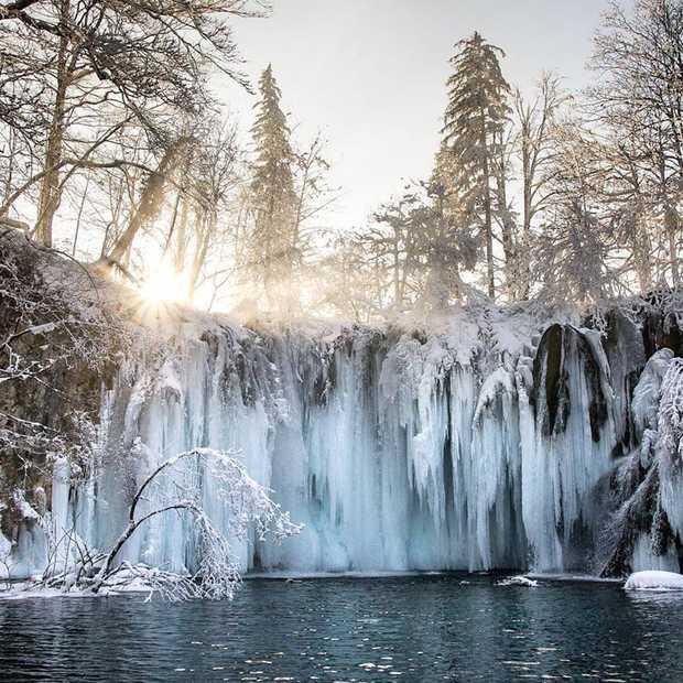 Magisch mooi: deze bevroren watervallen in Kroatië