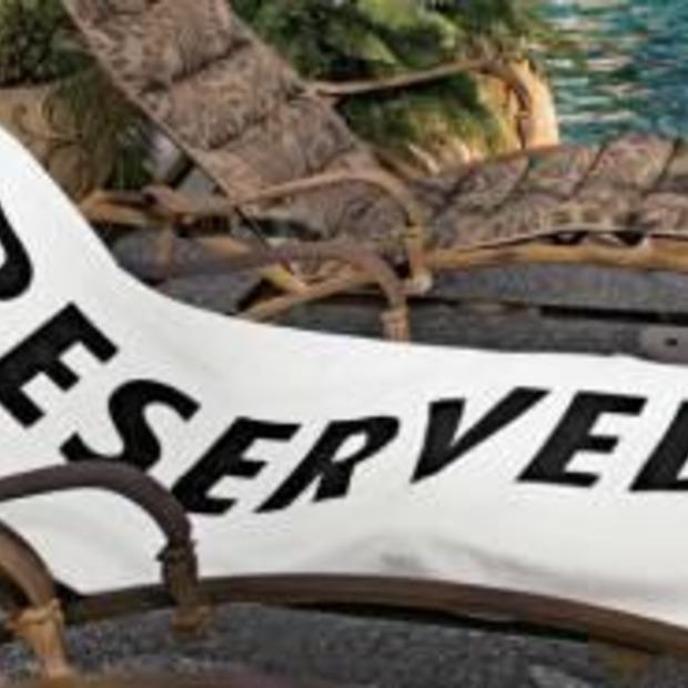 Een plaatsje gegarandeerd/gereserveerd met deze baddhandoek!