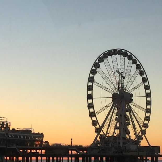 Europa's eerste reuzenrad boven zee, op de Pier in Scheveningen