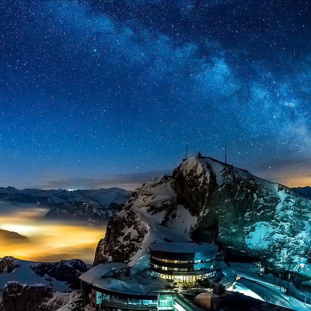 Video: De Zwitserse Alpen bij nacht [Video]