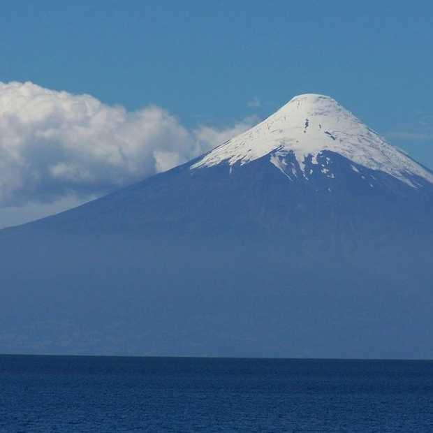 Bergbeklimmer filmt per ongeluk vulkaanuitbarsting Calbuco, Chili