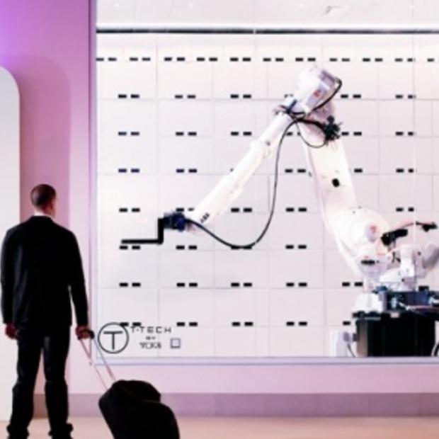 Robot Yobot vervangt de piccolo bij Yotel New York